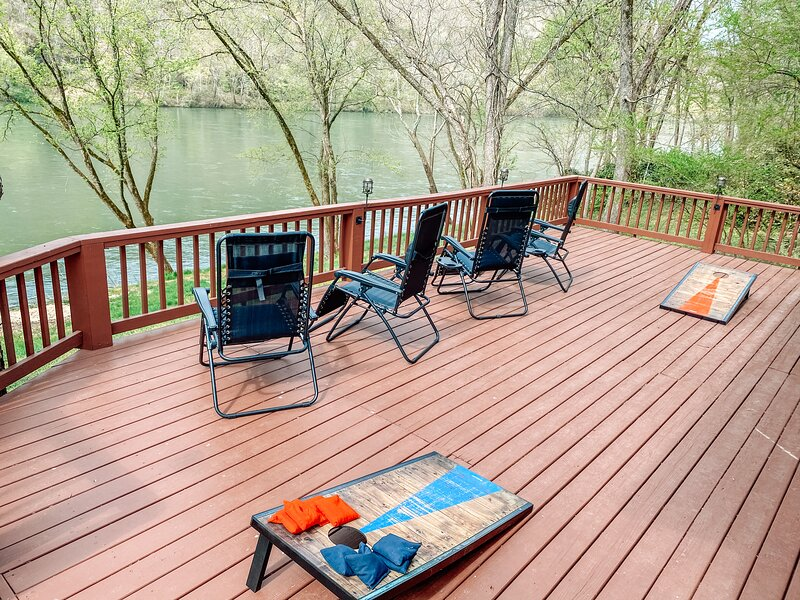 Rolling on the River - New Listing on the Banks of the White River, alquiler de vacaciones en Mountain View