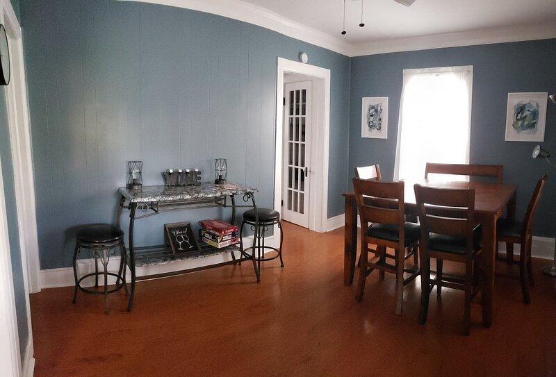 Chapland House 4 Bedroom Getaway in FLX, location de vacances à Seneca Falls