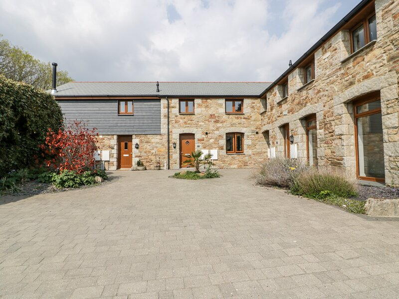 3 Lower Barn Court, St Columb Minor, holiday rental in Colan