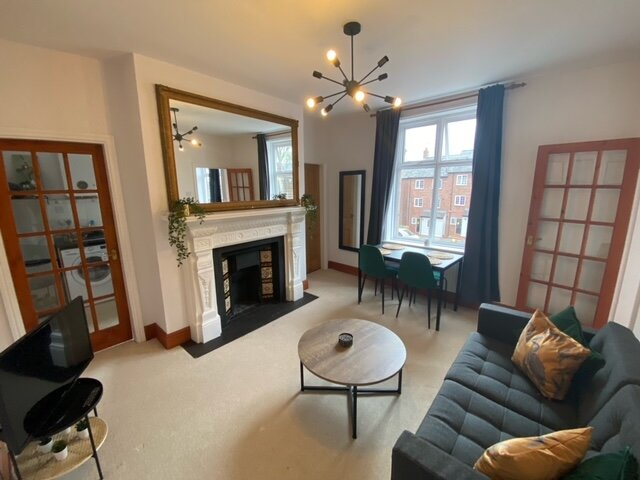 *NEW 2021* BOUTIQUE PERIOD APARTMENT, vacation rental in Chester