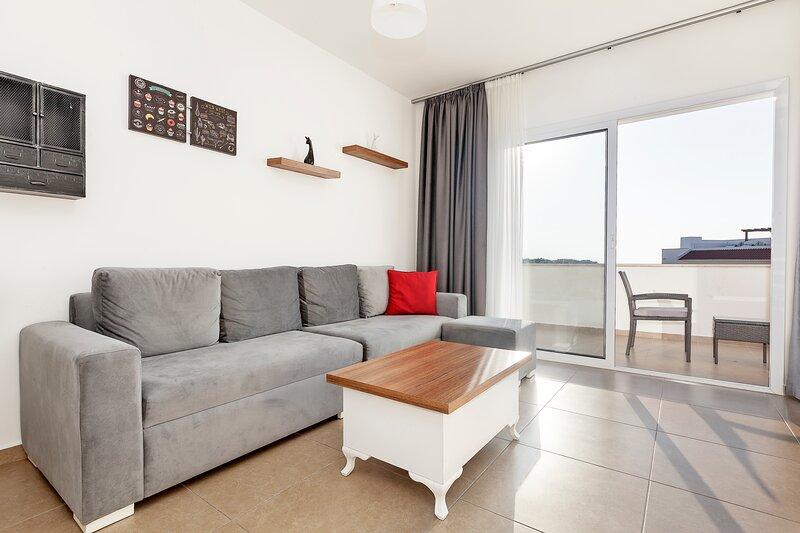 Sea Magic Park B2/5 1 Bedroom Apartment, holiday rental in Alevkaya