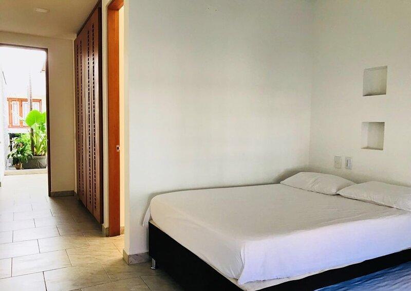 Casa en el Espinal con Piscina Privada Colombia Vacaciones, aluguéis de temporada em Espinal