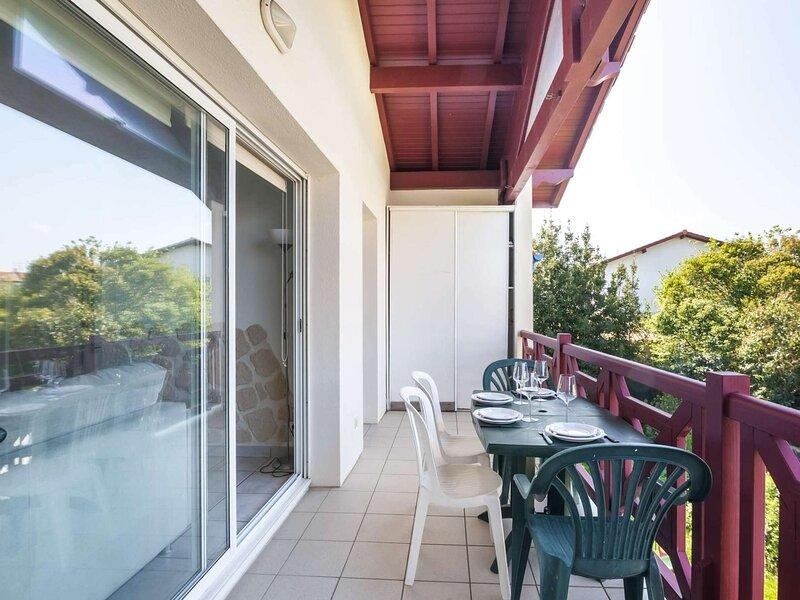 Charmant appartement proche de toute commodité, holiday rental in Irun