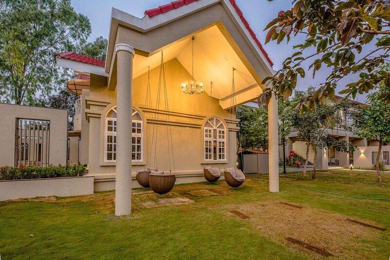 Marigold Villa by Vista Rooms, location de vacances à Wakad