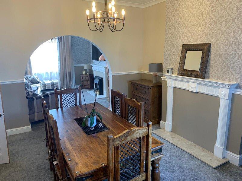 3 Bedroom Victorian Home, holiday rental in Swinton