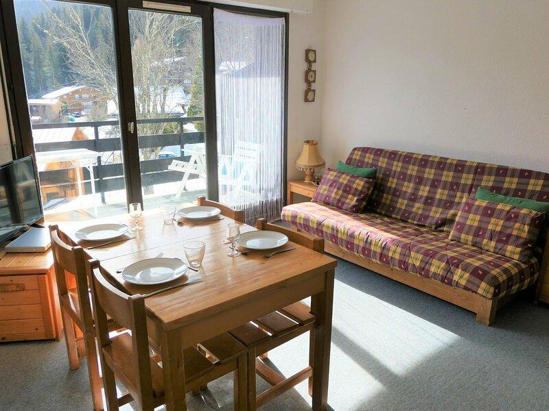 Studio cabine pour 4 personnes situé à 2.5 km du Bettex, aluguéis de temporada em Saint-Nicolas-de-Veroce