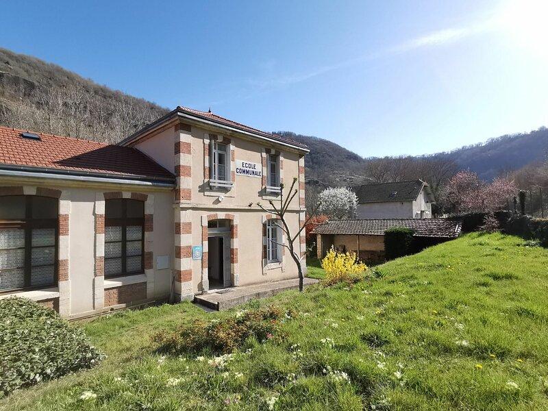 Gîte 6 personnes à St-Julien-des-Chazes, holiday rental in Saugues
