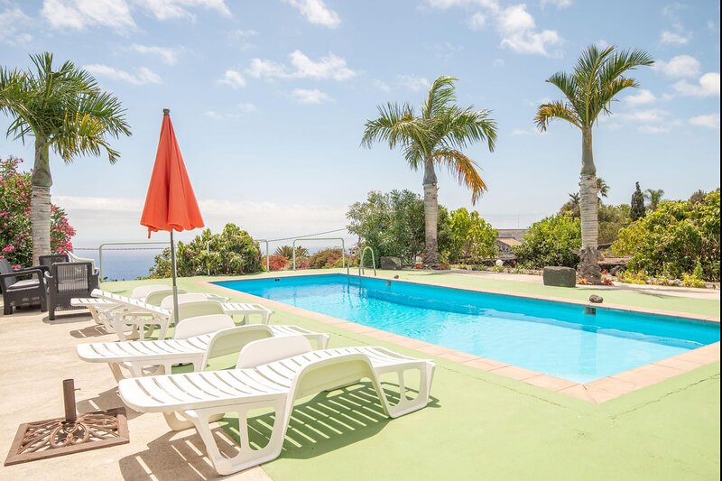 Apartment Luymar pool sea view La Palma, vacation rental in La Rosa
