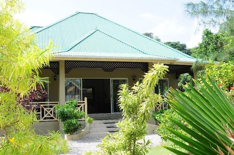 Cosy Lodge in Seychelle for 4, alquiler vacacional en Isla de La Digue