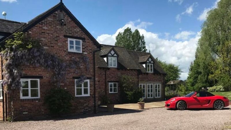 Character Farmhouse in the heart of Cheshire, location de vacances à Ashley