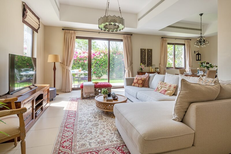 Grand 3BR Villa with Maid's Room in Reem!, vacation rental in Hatta