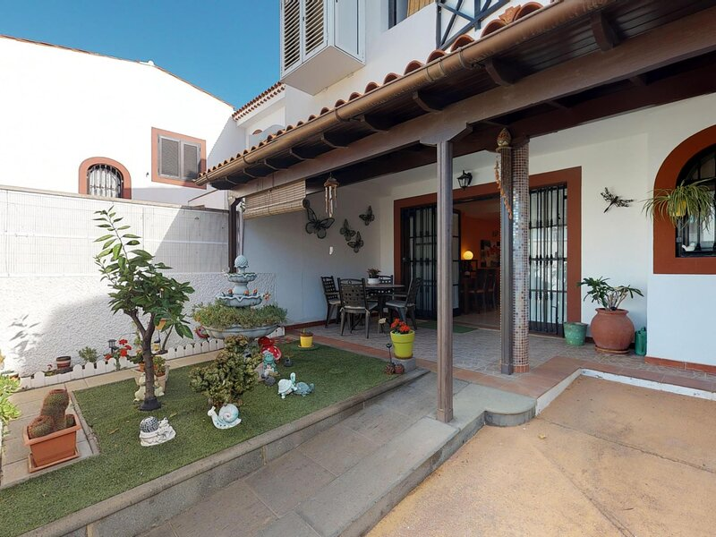 Agaete villa with private terrace and barbecue by Lightbooking, holiday rental in Puerto de las Nieves