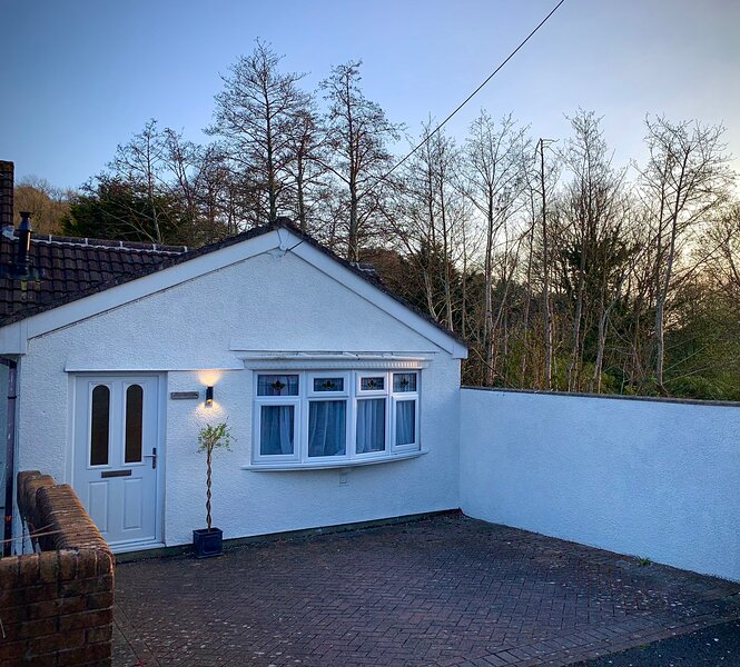 House in the heart of a beautiful village close to Dartmoor and the coast, holiday rental in Buckland Monachorum