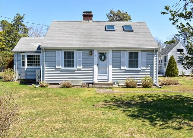 Two bedroom sleeping 4 walk to the beach!, location de vacances à West Yarmouth