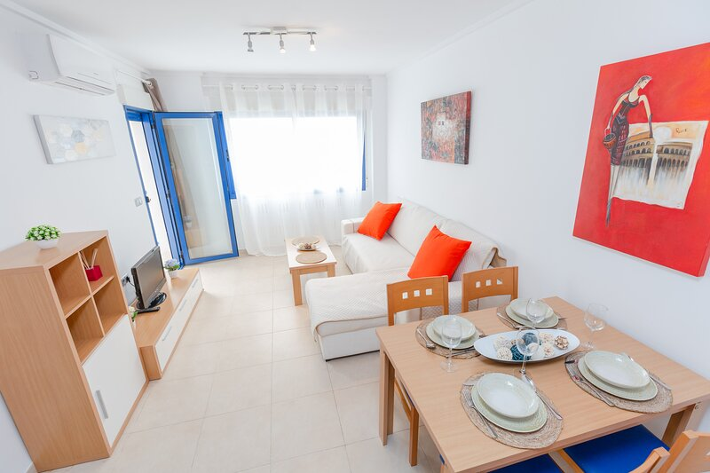 Alicante Hills 2 Bed Summer let, holiday rental in Cocentaina
