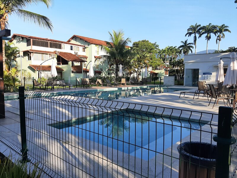 Apartamento Térreo em Alto Padrão, Bracuhy, location de vacances à Pontal