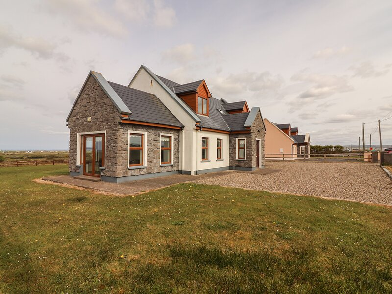 Cherry Blossom Cottage, Quilty, County Clare, alquiler de vacaciones en Spanish Point