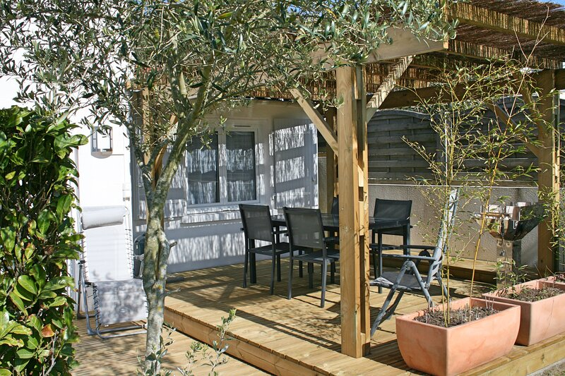 Gîte N°6 avec terrasse et jardin à 100m de la mer, vakantiewoning in Saint-Palais-sur-Mer