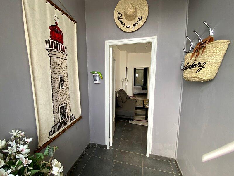 Le Hublot Location Appartement en Normandie à Cherbourg, Vue Mer, Hyper Centre, holiday rental in Saint-Germain-des-Vaux