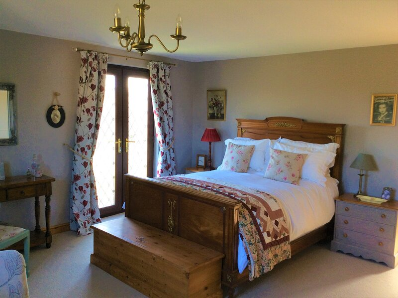 Bosvean House Bed & Breakfast, holiday rental in Stratton