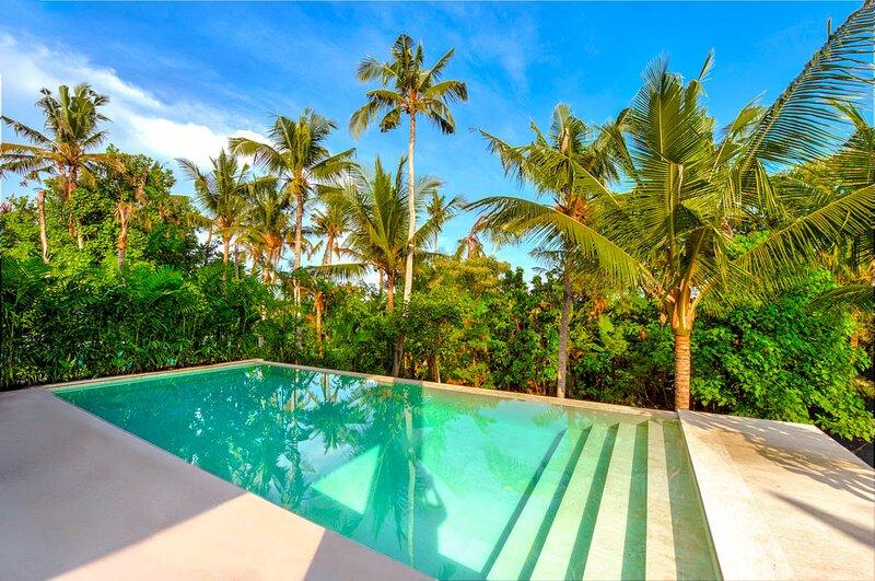 Banjar Pengembungan Villa Sleeps 10 with Pool and Air Con - 5675779, alquiler vacacional en Seseh