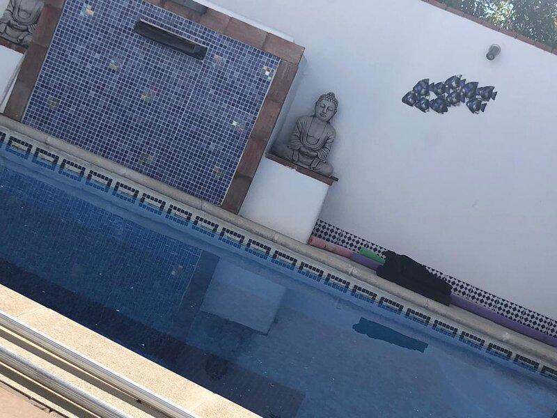 Casa Parker, Large house with stunning views, alquiler de vacaciones en Alcaucín