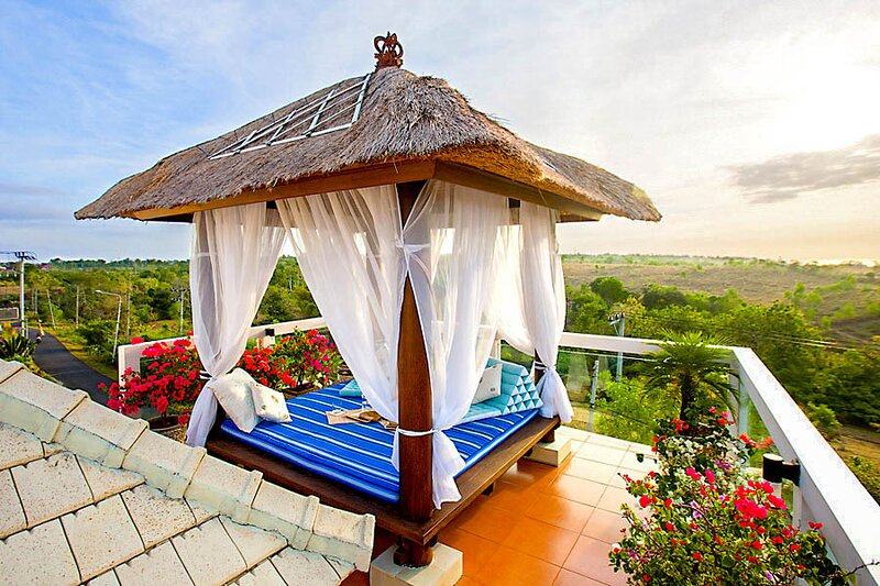 Santhikarya Villa Sleeps 4 with Pool and Air Con - 5813899, aluguéis de temporada em Kutuh