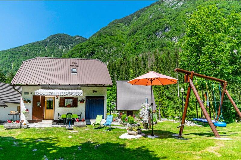 Alpine Cottage Lepena, holiday rental in Soca