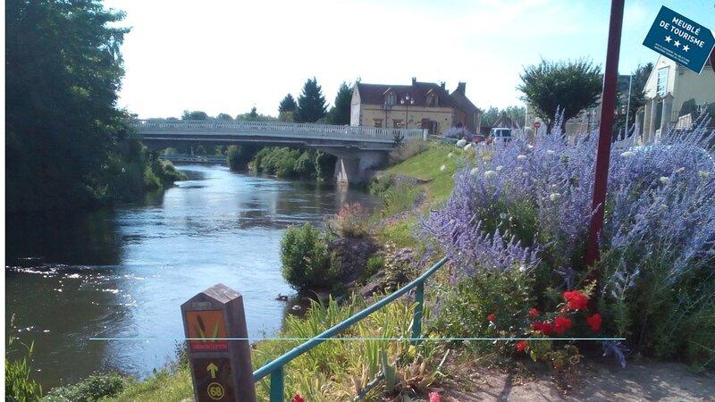Aux 10 Ponts- Gîte aux abords du fleuve La Somme- La mer à 30 min- La nuit/6pers, vacation rental in Abbeville