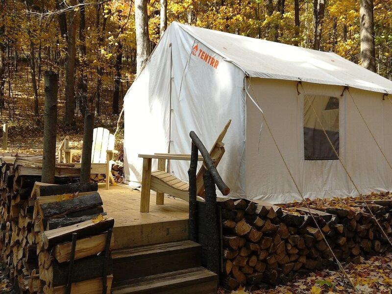 Tentrr Signature Site - Ponderosa Pond Signature Campsite, holiday rental in Manns Choice