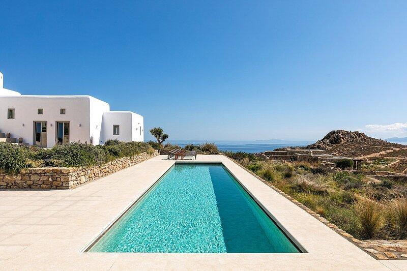 Villa Virgil, location de vacances à Super Paradise Beach