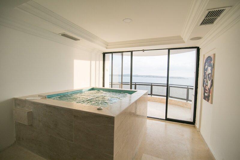 Dream Sunset & Skyline Penthouse, holiday rental in Ararca