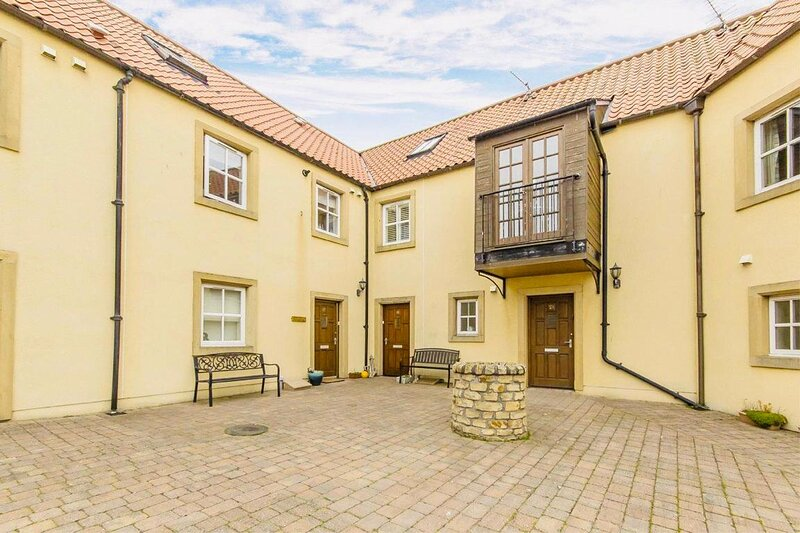 Sanctuary Cottage - with a wood burning fire! Sleeps 6, holiday rental in Anstruther