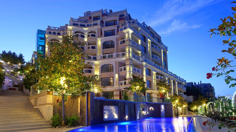 Luxurious and panoramic apartment at the beach in Lamer complex, holiday rental in Golden Sands