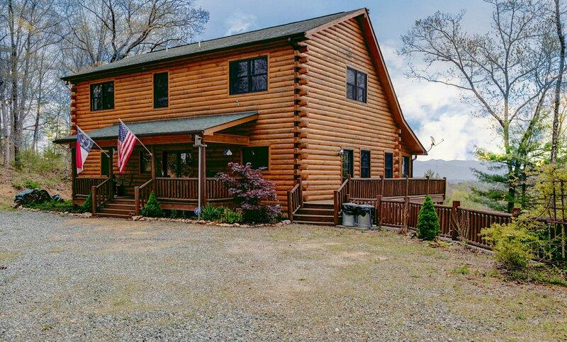 Bearfeet Retreat, holiday rental in Marshall