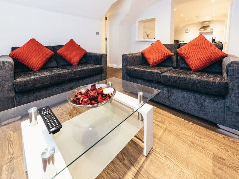 Apartment 5 - UK32596, holiday rental in Derby