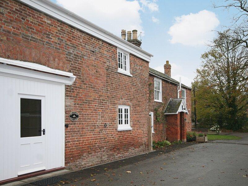 Granary Cottage - E5626, holiday rental in Freiston