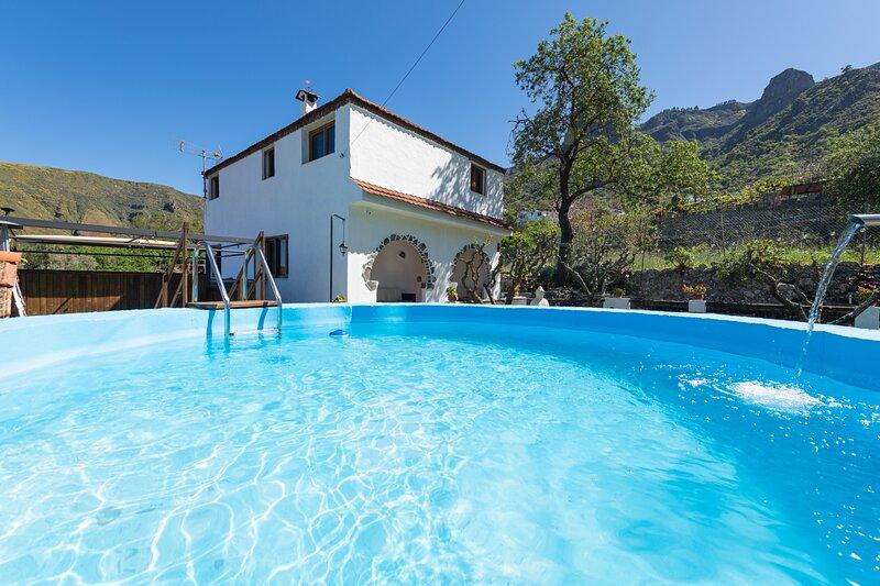 The Corner of Dreams - Rural Villa Pool & Parking, holiday rental in Gran Canaria
