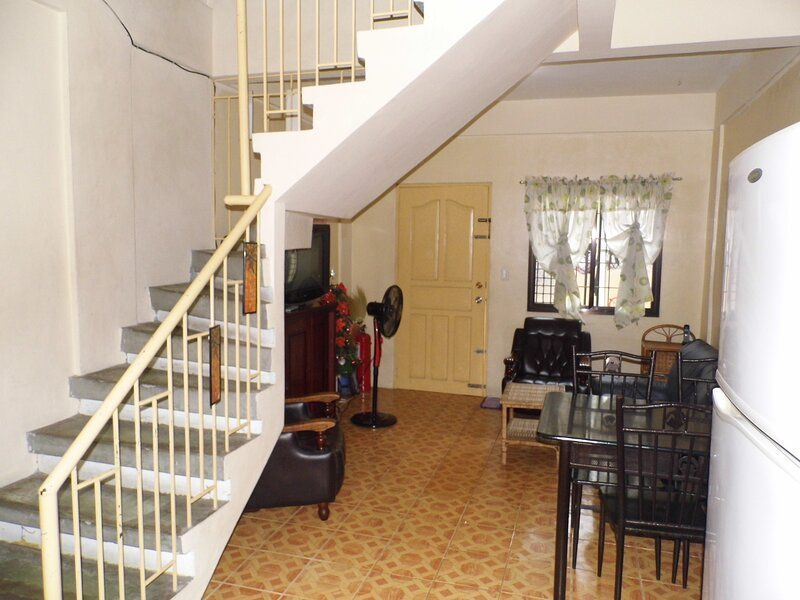 Angeles City Townhome 2, vacation rental in Angeles City