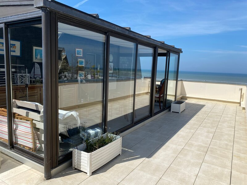 Amazing apartment with sea view – semesterbostad i Dives-sur-Mer
