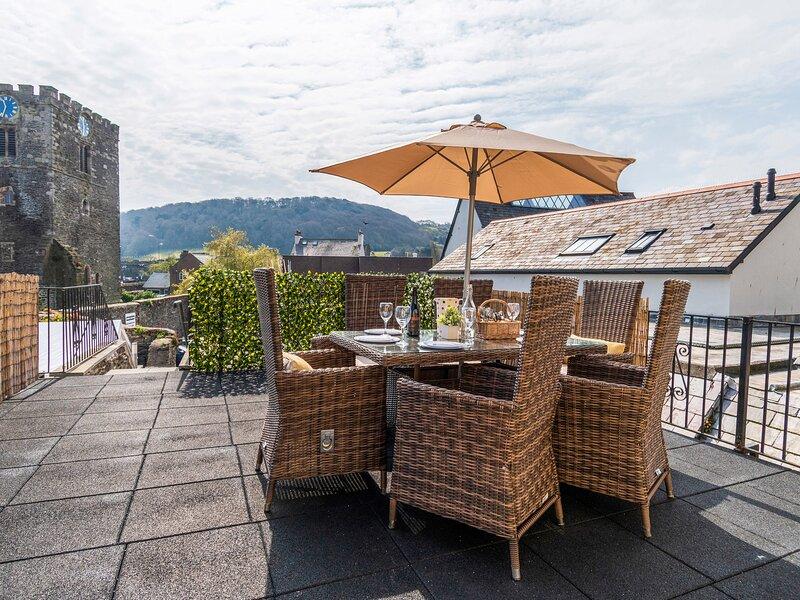 Castle View, Conwy, vacation rental in Llansanffraid Glan Conwy