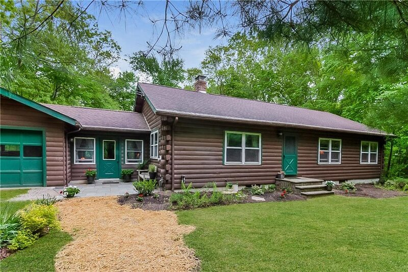 C495 Log Cabin, casa vacanza a Charlestown