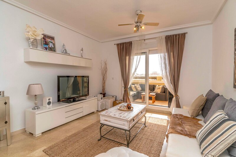 Beautifully furnished apartment in the urbanisation Jumilla Iii, Orihuela Costa, holiday rental in La Florida