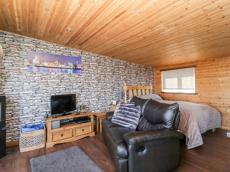 Blackbrae Cabin, Coatbridge, holiday rental in Coatbridge