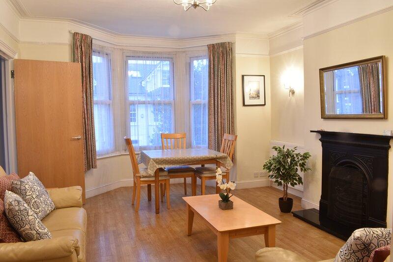 Larkfield Apartment - Central Richmond, aluguéis de temporada em Richmond-upon-Thames