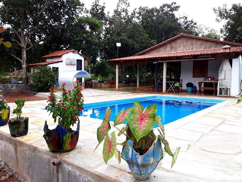 Chácara com Wi-Fi e lazer completo em Pirenópolis, location de vacances à État de Goiás
