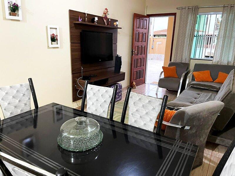 Casa com churrasqueira e Wi-Fi em Cabo Frio, aluguéis de temporada em Rio das Ostras