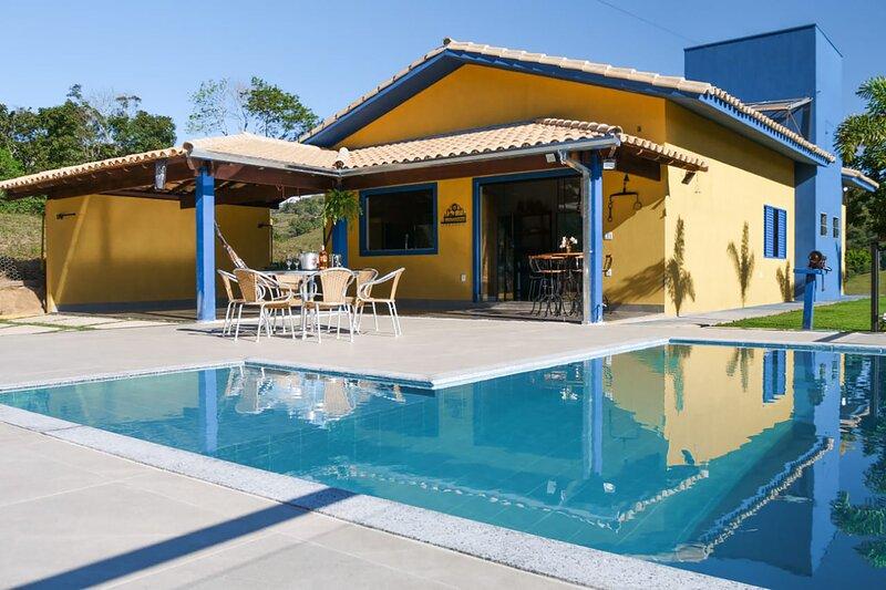 Chácara com piscina e Wi-Fi em Capitólio/MG, holiday rental in Piumhi