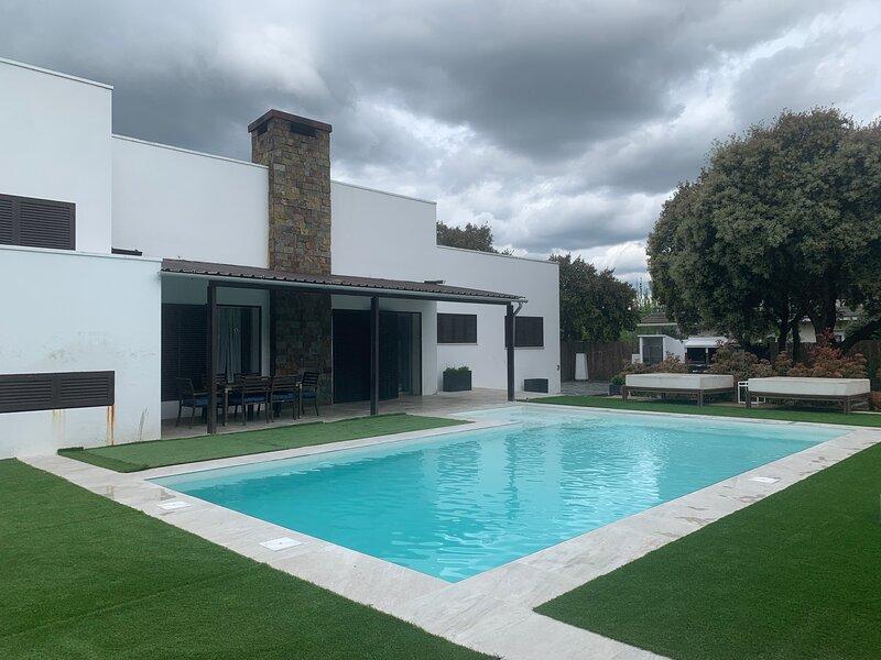 Chalet de diseño en la Sierra de Madrid, vacation rental in Hoyo de Manzanares