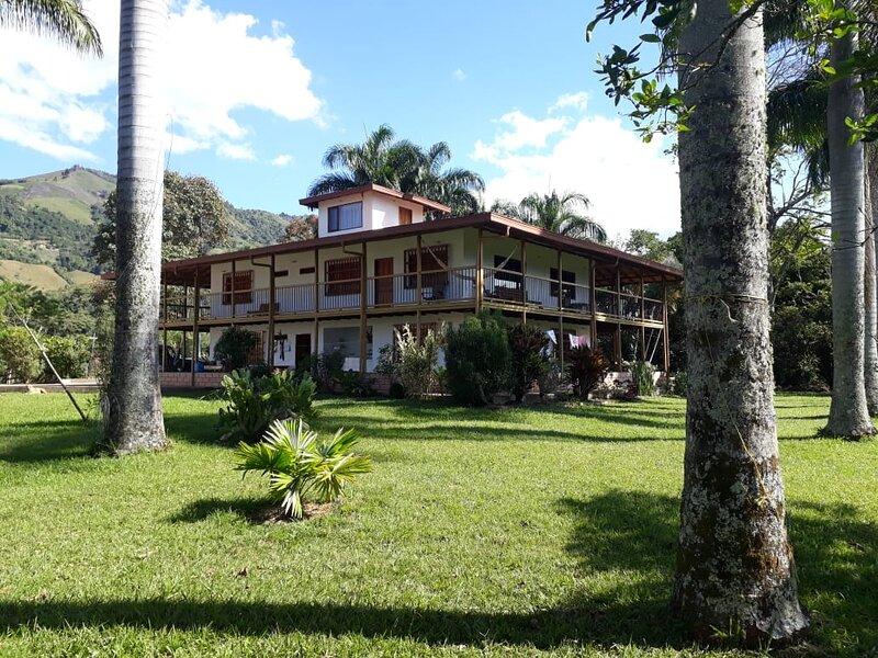 Hacienda cafetera Vista Hermosa By LACOROLA, vacation rental in Tamesis